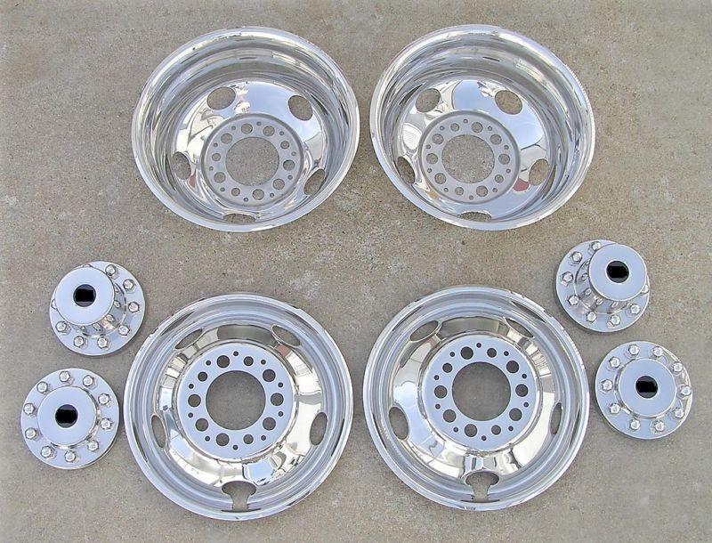 19.5 Chevy / GMC 3500HD Dually Wheel Covers