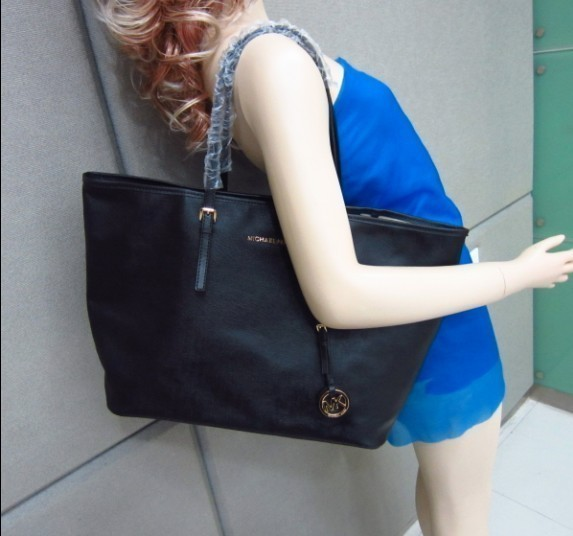 michael kors bag leather in Handbags & Purses