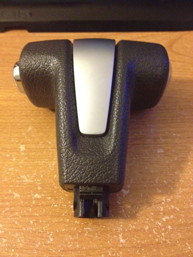 Ford Mustang Automatic Shift Shifter Knob OEM mint condition S197 2010