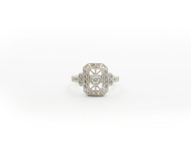 ESTATE 18KT WHITE GOLD DIAMOND COCKTAIL RING HEAVEY GOLD