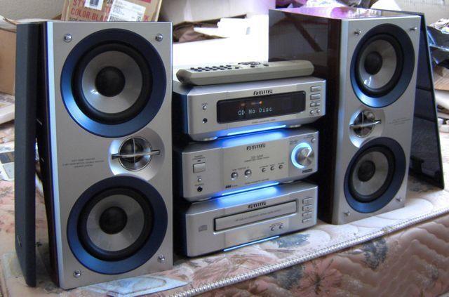 Aiwa XR M99 Compact Stereo System W Remote RARE