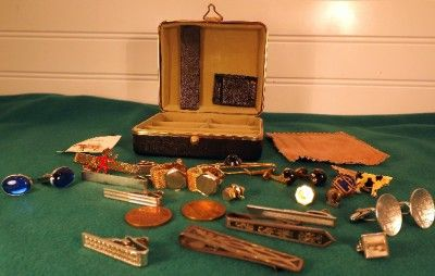 Jewelry Box Lot Vtg Tie Bars Clasps Links Gold Silver Reddy Kilowatt