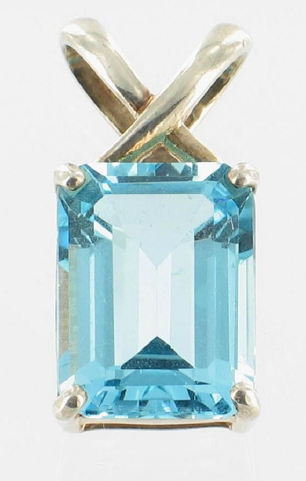 Vintage Sterling 11 Ct Emerald Cut Blue Topaz Pendant