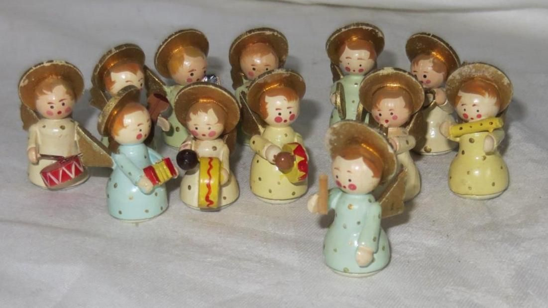 Vintage 12 Pc Miniature Italian Hand Carved Wood Angel Orchestra Band