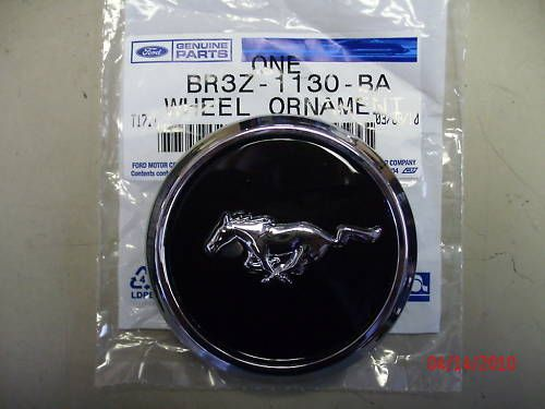 New 2010 Ford Mustang Wheel Center Cap for 17 Rim