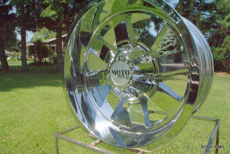 962 18x10 Chevy GMC Silverado Lifted Wheels Chrome 6 on 5 5 BP